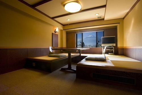 富士山側露天風呂付客室(スタンダードルーム)禁煙室