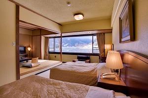 西館和洋室(和室8畳+2ベッド)喫煙室