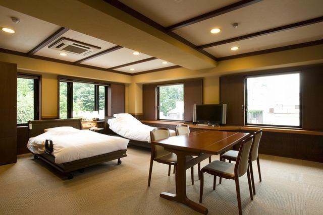 バリアフリーコーナールーム(洋室4ベッド) 禁煙室